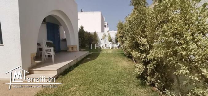 une villa avec garage  a Hammamet Sud