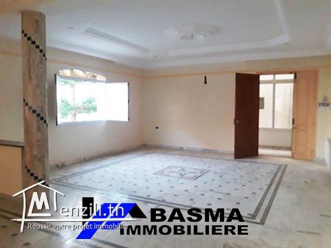 étage de villa à louer a Sousse