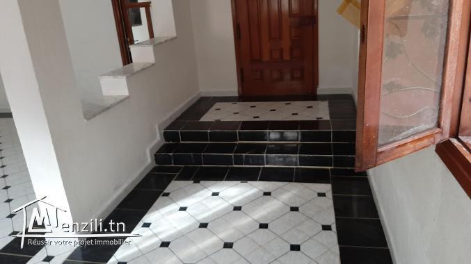 une maison S + 3 avec deux salles de bain, a louer