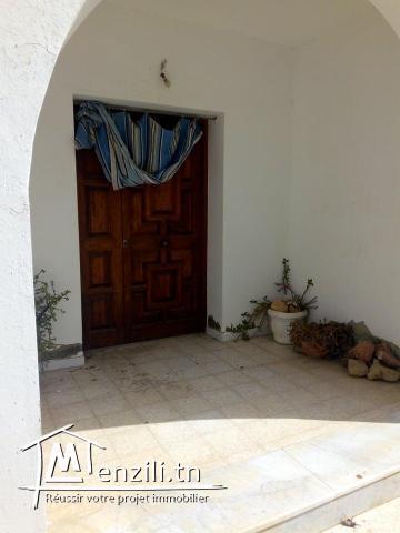A.V une villa a Kalaat el Andalous .