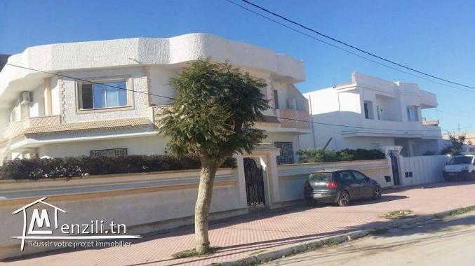 etage de villa s4 à louer  a kelibia