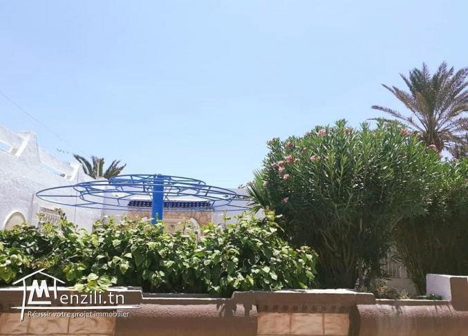 Bungalow 1 ère rangée à Mammoura plage à vendre