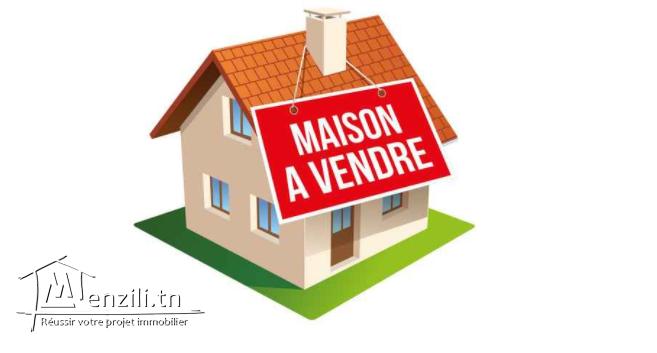 à vendre maison 2 étage  à centre ville kélibia  tél : 55525821