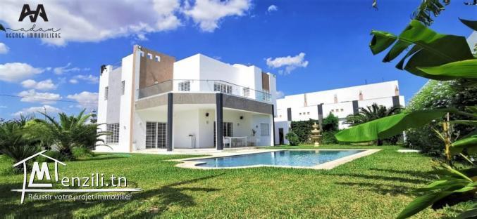 Villa bâti sur un terrain de 1015m² avec piscine
