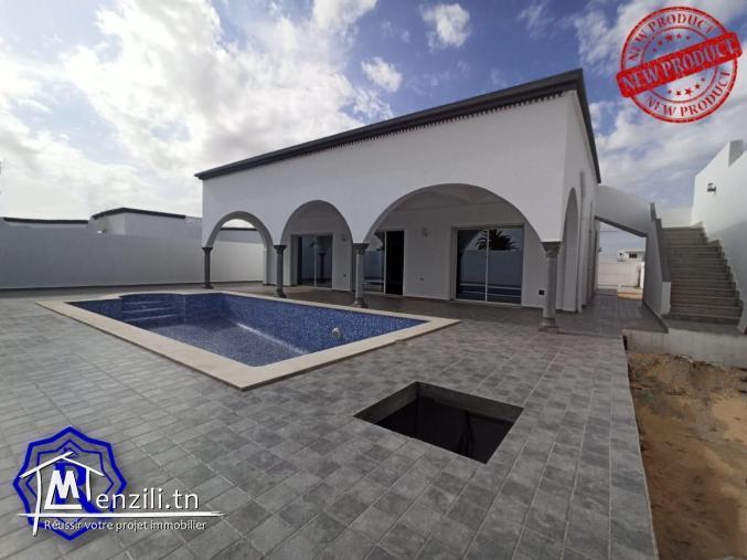 Superbe villa avec piscine proche de la mer