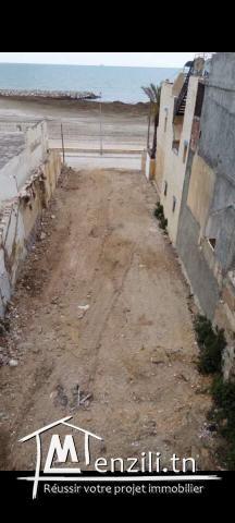 terrain sur le corniche d'hammam lif 10m*40m