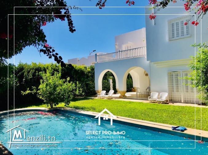 A vendre Villa S+5 à Hammamet Nord -Ref127a