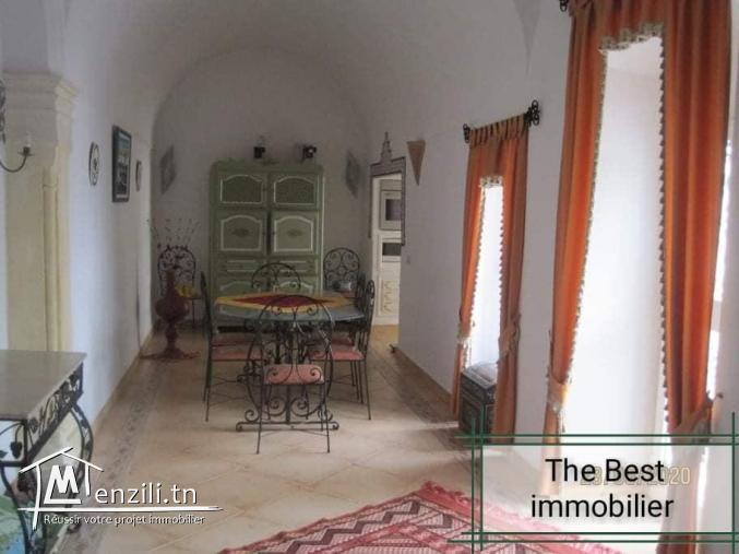 une belle maison style arabesque à kélibia est mise en vente