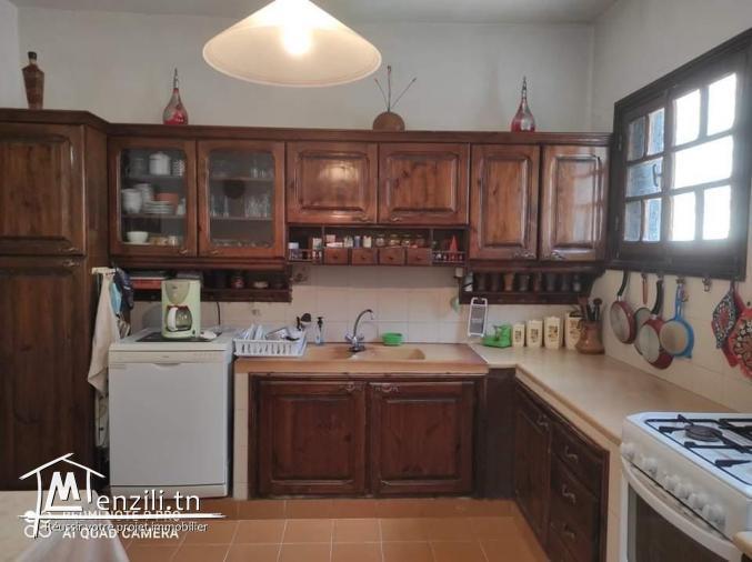une villa sur deux niveaux de 300 m²