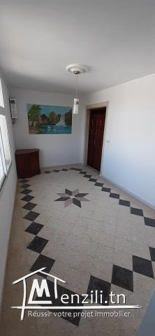 A vendre un spacieux appartement de surface 250 m² à metline bizerte