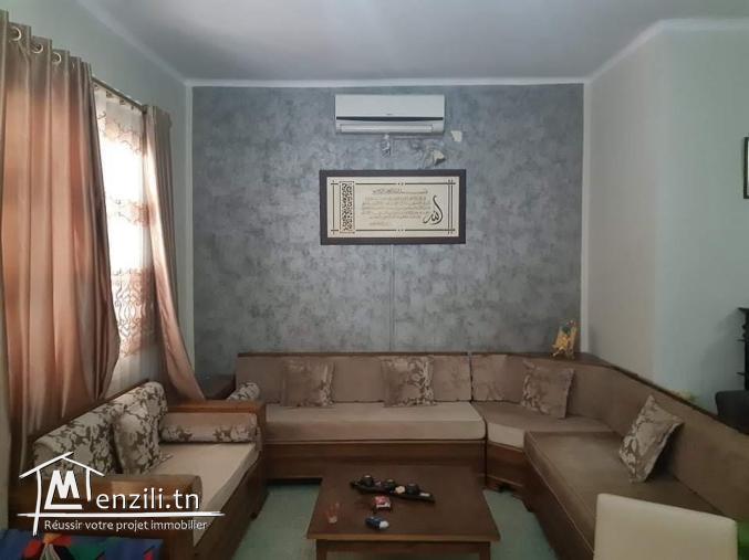 Opportunité / Vente Villa  à Ezzahra sur un terrain de  549 m²