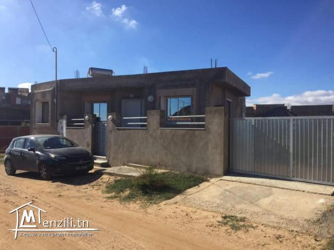 une maison a vendre à El Haouaria deuxieme position .(chatte l9ibli)
