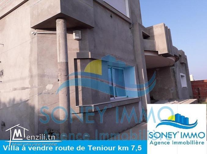 Villa route de Teniour km 7,5 ouvrant sur deux voies avec un style américain