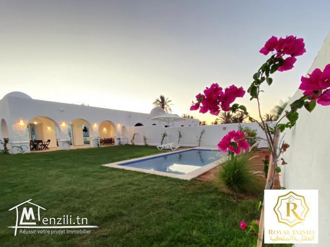 Villa avec piscine plage à pieds-villa témoin
