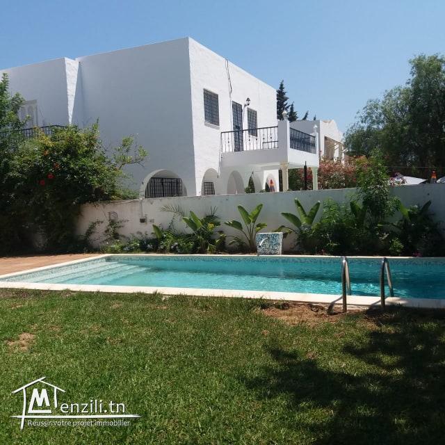 Villa avec piscine de 250m² sur un terrain de 600m² à Jinène Hammamet