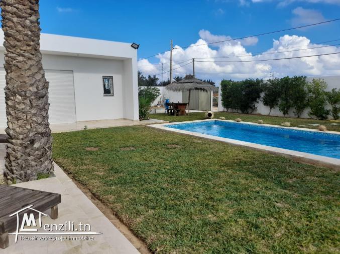villa avec piscine V442