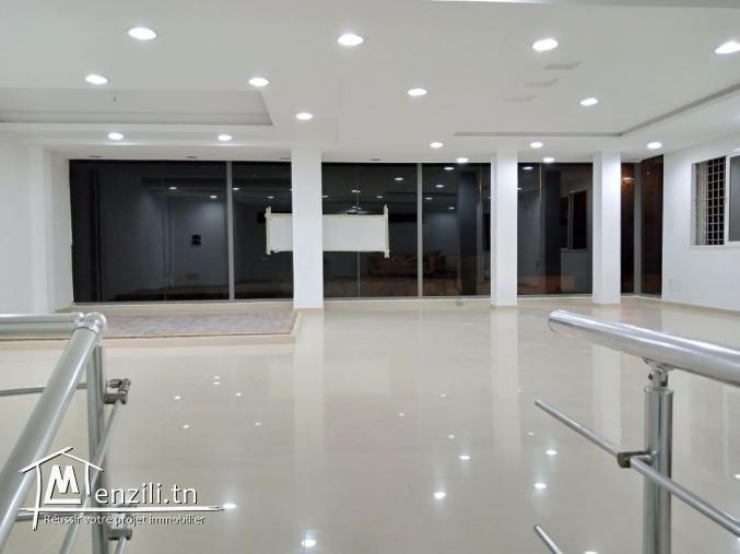 Showroom à Monastir devant Monoprix El Agba location NET IMPOTS
