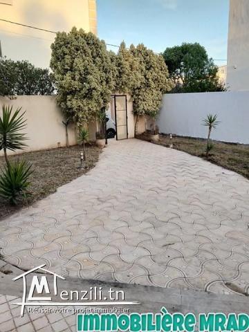 AV une grande villa  à Hammamet nord