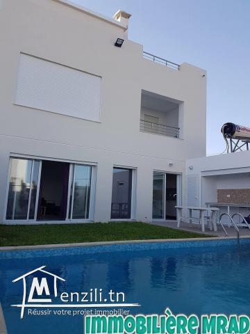 AV une belle villa de 300 m2 à hammamet