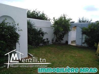 AV une belle villa avec un appartement s+2 et un studio à route birbouragba Hammamet