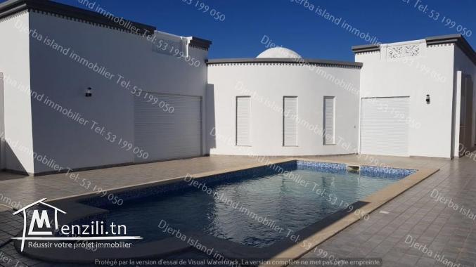 Villa de 700m² avec piscine