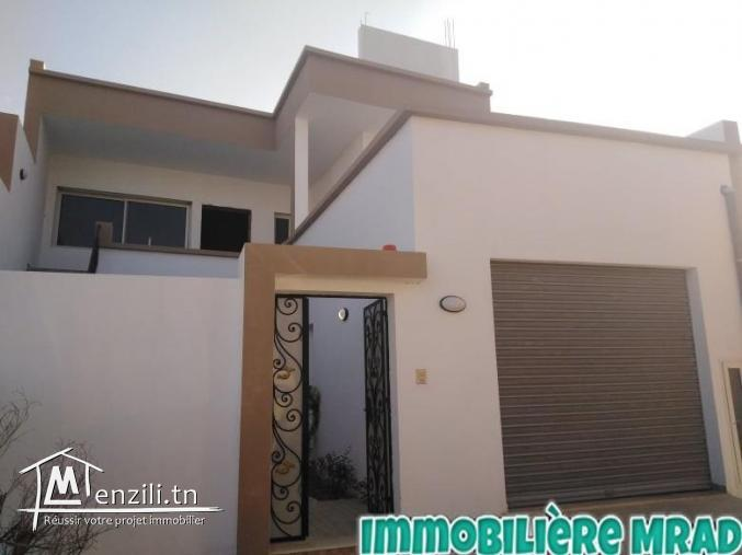 AV le villa s+3 avec un étage inachevée à mrazka Hammamet.