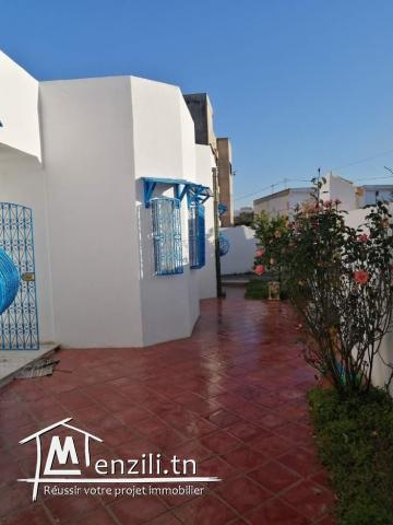 Villa à vendre en S+3 avec jardin de 250m² sur un terrain de 300m² à Hammamet Centre