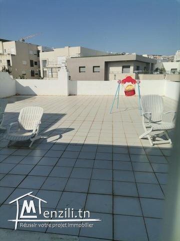 appartement s3 avec un grand terrasse