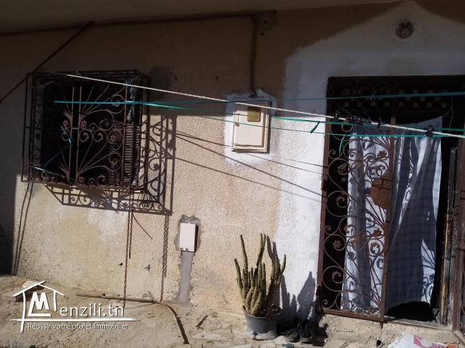 منزل و ستيديو للبيع بحي المندرة زاوية سوسة