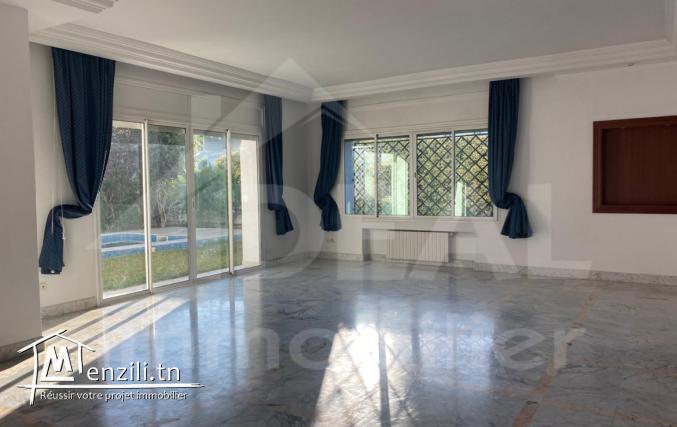 """""""Charmante Villa aux Berges du Lac"""