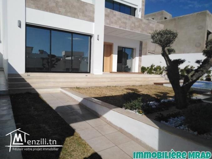AV une magnifique villa toute neuve à Hammamet nord.