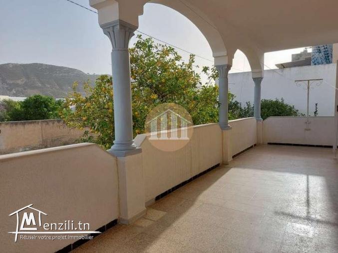 A Vendre - Une Villa de 298 sur un terrain de 316m² sis à Ezzahra