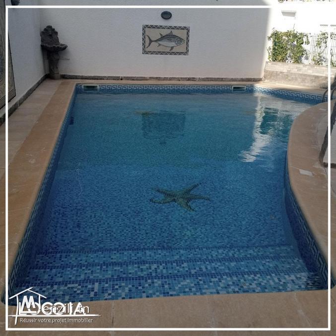 Location villa meublée avec piscine à Ennasr