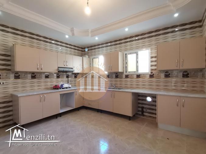 A LOUER- UN étage de villa S 2 à Hammam Chatt