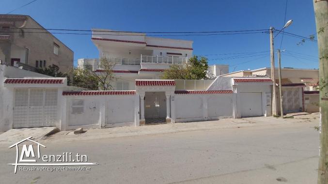 villa a vendre mourouj 5:  2 étages indépendants