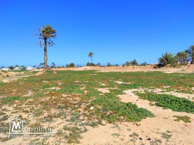 Terrain en montée à Mezraya disposant d'une vue mer à pieds titre bleu