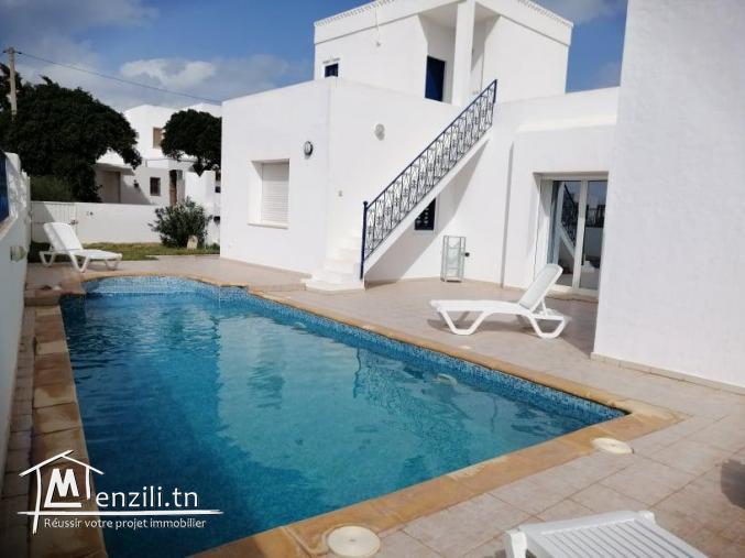 villa avec piscine à louer VLS003