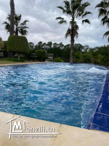 Une belle propriété avec grande piscine privée