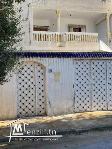 Jolie villa composée de deux étages séparés à ennkhilette
