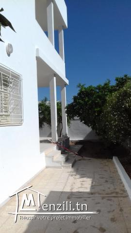 Villa à SFAX route Soukra proche uiversités jardin 370 m2