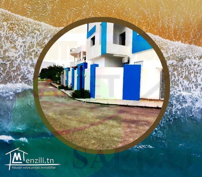 Profitez Belle Immeuble R+2 située à Chatt Mariem