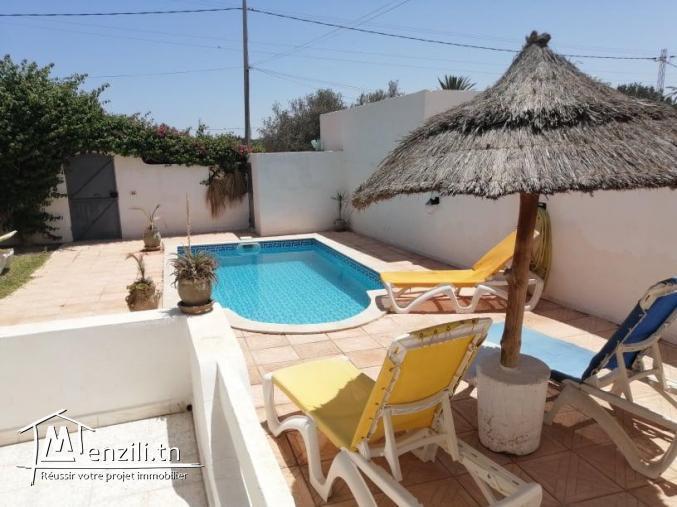 villa avec piscine à louer  VLS006