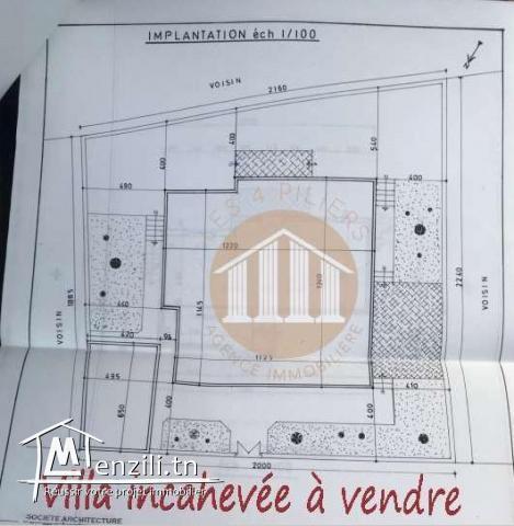 A vendre une villa de 289m² sur un terrain de 438m²