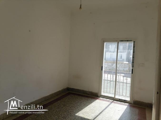 Réf 2230 Un vaste Appartement s1 en plein centre