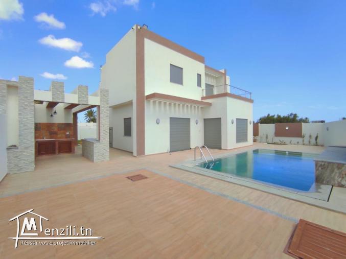 Villa avec piscine 04 chambres avec piscine ultra moderne