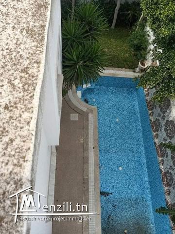 Villa avec piscine et ascenseur à Mutuelleville