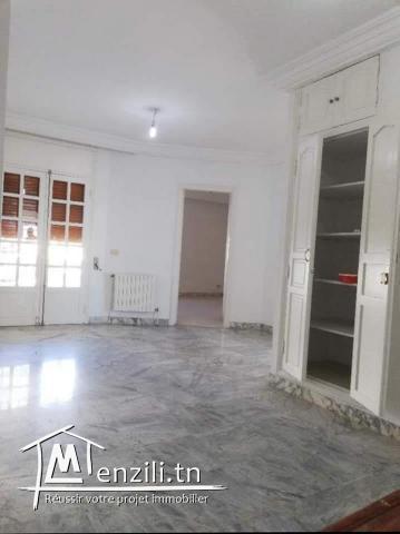 Villa S+7 de 900m² à Manar 1