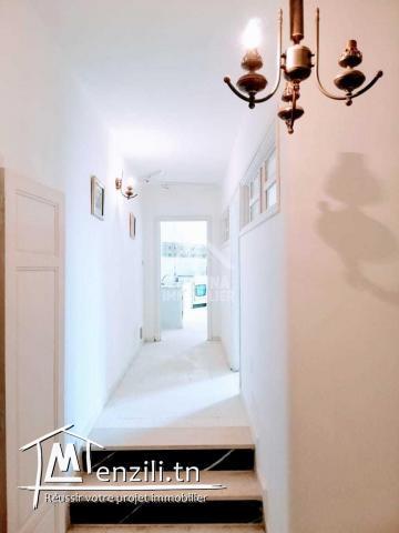 A louer un rez de chaussée de villa semi meublé avec entrée indépendante à Gammarth supérieur