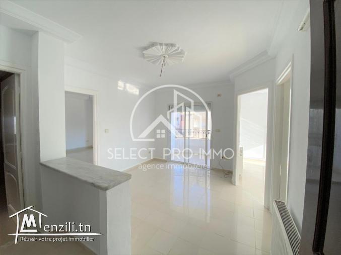 A louer étage de villa S+3 à Lido Dar Chabaine El Fehri