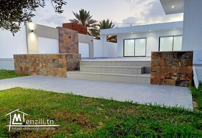 villa avec piscine L324